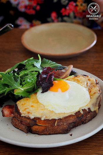 いかがでしたか、美味しそうなクロックムッシュの数々。 パンやチーズ、卵など、比較的手に入りやすい材料で出来るので、自宅で作ってみるのもいいですね。忙しい朝にはちょっと時間がかかるので、週末のブランチに腕を振るってみてはいかがでしょうか??