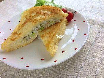 """フランスの定番料理に""""和風""""のエッセンスを加えた意外な組合せが美味しい♪ ネギ・しらすとチーズの相性がバツグンです。"""