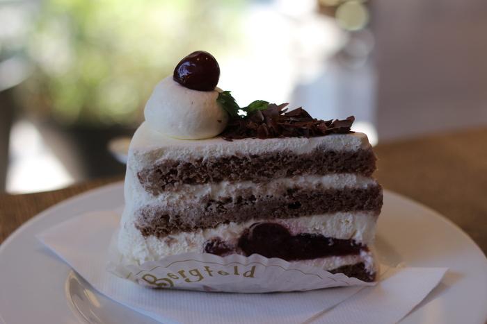 「ベルグフェルド」のケーキは美味しいことでよく知られています。ケーキ目当てに来店される人も多くいます。ランチセットならケーキも頂け、お値打ちです。
