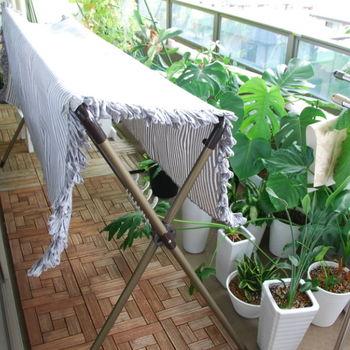 夜洗って室内に干した洗濯物は、翌朝、外に移動させることになります。洗濯機の場所→部屋干しの場所→ベランダの物干しの場所の導線が最短になるように工夫しましょう。