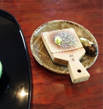 アメリカでは、わさびはアンチエイジング食品として人気が高いそうです。  せっかく日本原産の薬味なのですから、もっと幅広く使ってみたいですよね!今までわさびなんてお肉料理に使ったことがない方も、一度チャレンジされてはどうでしょうか。