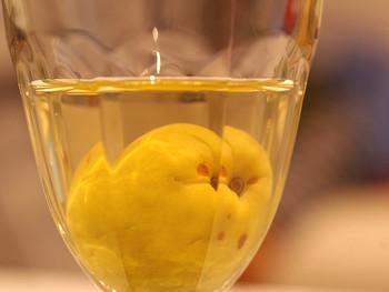 梅酒に含まれるクエン酸は疲労回復に効果があると言われています。夏バテ解消にも良さそうですね♪またクエン酸は中性脂肪を下げ、血液をサラサラにしてくれるので成人病予防につながります!