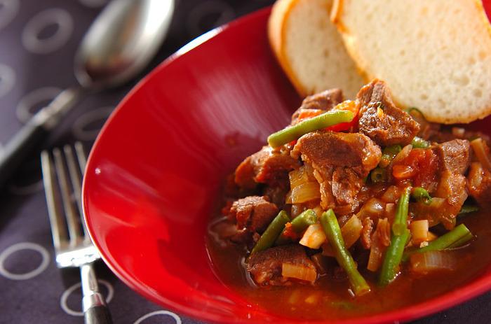 トマト煮込みは、ラム料理のなかでも人気ですね。スパイスをきかせているのでニオイも抑えられます。ラム初心者の方にもおすすめです。