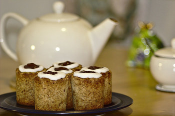 ころんとした可愛い形のケーキ。 少しスパイシーで、寒い時期にはぴったりのケーキです。