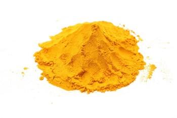 鮮やかな黄色が目を引くターメリックは、日本や中国ではウコンと呼ばれ漢方薬として有名です。肝臓の働きを良くし胃腸を整えてくれるといわれています。カレーでは色付けに使われます。入れすぎると苦味が強くなってしまうので、分量に気をつけてくださいね!