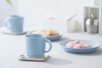 いかがでしたか? 青色のお皿やコップって思っていたよりも食卓に使いやすいと思いませんか? 次に食器を購入する際は、是非青色の食器も手に取ってみてくださいね。