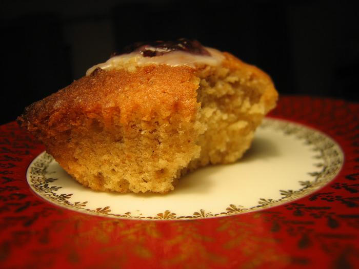 しっとりとした食感が伝わってきますね!ティータイムにぴったりのお菓子です。
