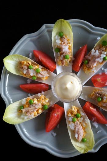 見た目もオシャレでイタリアンレストラン風なご馳走サラダです!チコリはこんな時にも活躍できる優れものですね♪
