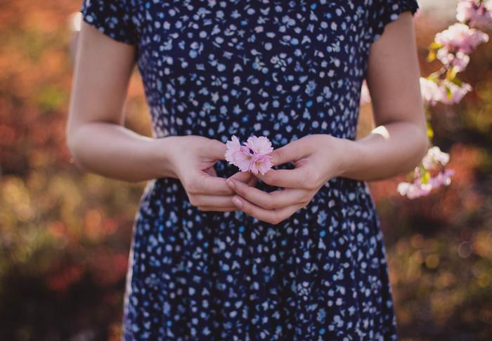 """春になると、新しい""""出会いの予感""""で心がウキウキしてたのはいつまでだったでしょう。 花粉の影響で、大好きだった春がここ数年は心がウキウキというよりも、外にも出たくない憂うつな季節になってしまっていませんか?"""