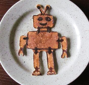 うふふ。思わず笑顔になっちゃうようなユニークなパンケーキ。子どもも朝からテンション上がります。もちろん、ロボット好きな恋人もにっこり。