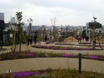 園内は美しく整備されていて、ゆったりと散歩が楽しめそうですね♪