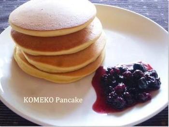 米粉のほかに大豆粉を使った栄養たっぷりのパンケーキ。乳製品は不使用。腹持ちもよく、朝食にもおすすめです。