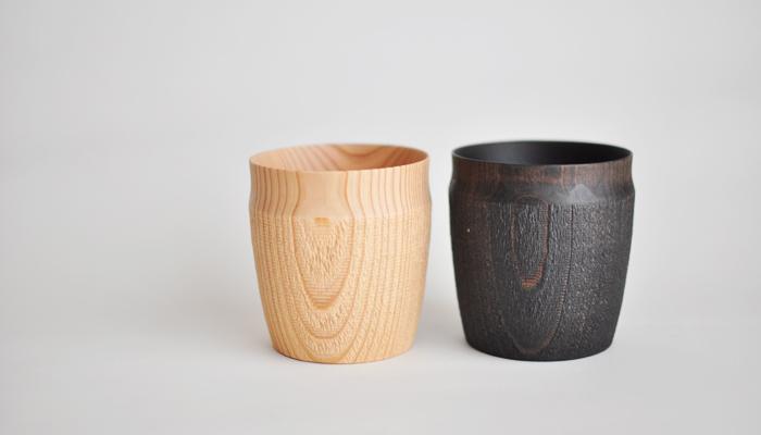 鹿児島県の木工作家FUQUGI(フクギ)のTROLLカップは、木肌の風合いがそのまま感じられ、自然豊かな場所でのピクニックにも最適なアイテムです。割れたりする心配の無い木の器やカップは、お家でもアウトドアでも重宝します。