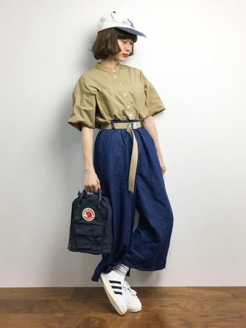 バッグ自体の大きさはベーシックよりも小さめ。 でもストラップの長さはベーシックと同じだから、大人の女性でもちょうどよく持てるサイズ感です! *高さ:29cm × 幅:20m × 奥行き:13cm *容量7L,重量220g *ストラップ最大長69cm