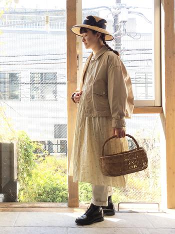 1枚でさらりと着ても素敵ですが、リネンの洋服を組み合わせることで、表情がまた違ってみえるんです。 なかなかバランスが難しい重ね着ですが、参考になるおしゃれなコーディネートをまとめてみました。