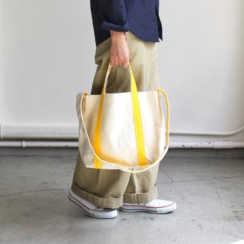 お気に入りのものは見つかりましたか? 丈夫で長く使うことができる帆布のトートバッグ。 どんなファッションとも相性の良い白色のバッグは、ぜひ日常使いのアイテムに一つは持っておきたいですね♪