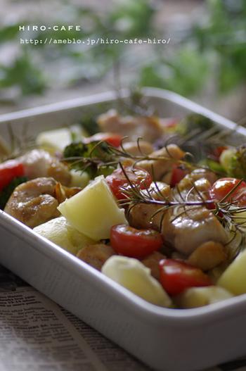 お肉が焼きあがった後の最後の仕上げに、オリーブオイルをひと回し。美しいツヤとフレッシュな風味がプラスされます。
