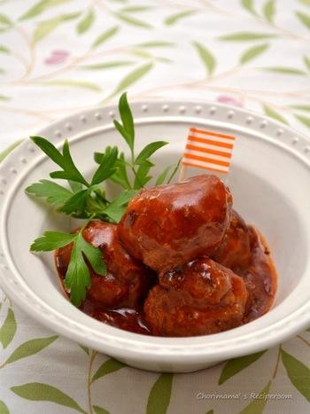 合挽ミンチを使った基本のミートボールレシピ。  甘辛ソースは大人も子供も大好き。ご飯がすすみます。