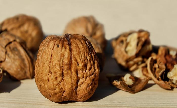 お菓子やパン作りに最適の「クルミ」。 老化防止、美肌効果あり!