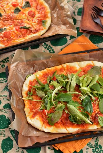 ピザ生地はもちろん、具材のバリエーションで自分好みのピザを手作りしてみましょう♪今回は、家庭で作れる本格的な味わいのピザのレシピをたっぷりご紹介します。