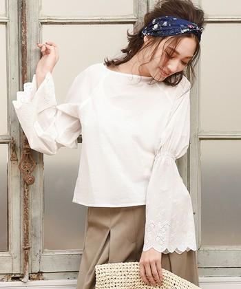 今期大注目の『袖コン』は個性的ではありますが、ナチュラルにも大人っぽくも着こなせることがわかりました!『袖コン』アイテムを上手に取り入れて、トレンド感のあるオシャレを楽しんでみてはいかがですか?