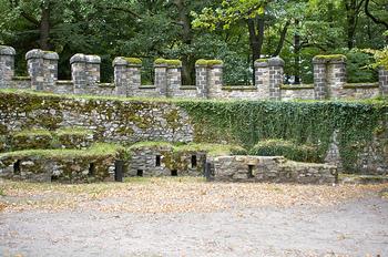 「リメス・ゲルマニクス」は、ドナウ川からライン川まで続く総延長550km以上にもなる砦。さしずめヨーロッパ版万里の長城といったところでしょうか。土塁や石塁で築かれた長城、物見櫓、城砦から構成されています。