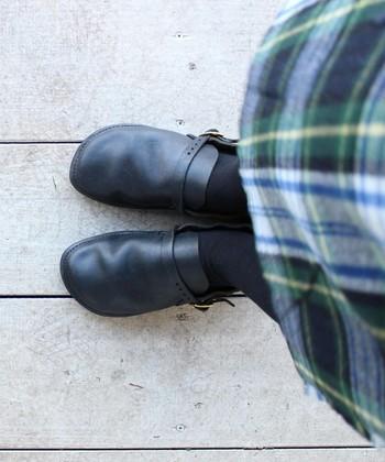 こちらはスリッポンタイプの『ミドルイングリッシュ』。足に馴染んで履きやすいのが特徴です。