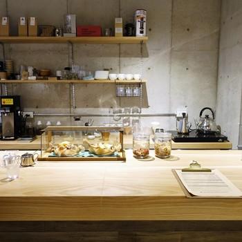 店内は6席ほど。カウンターのみですが、店主こだわりのコーヒーが楽しめます。