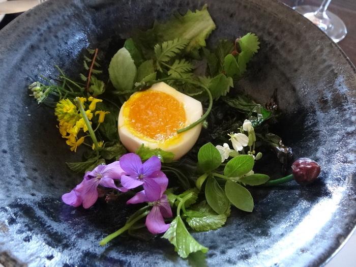 美しくデザインされた料理は、味もとっても美味しく、「世界のベストレストラン50選」の1位に4度も選ばれています。