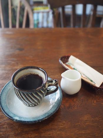 女性オーナーさんが自家焙煎するコーヒーもブレンド・ケニア・グァテマラ・ブラジル…とその日によって種類が違ったりもするそうです。和カップで楽しめる所もなんだかお洒落で、ほっと心が癒されます。