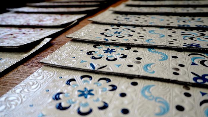 文庫革とは播州姫路で生産されている工芸品で「姫路革細工」とも呼ばれています。