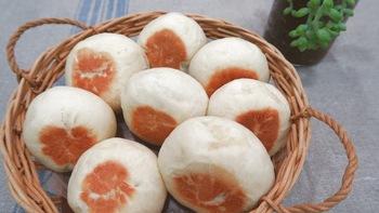 フライパンで作るパンは、初心者でもOK。オーブンも発酵器もなしで、簡単にもちもちのおいしいパンができあがります。