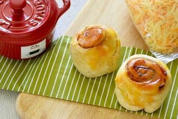 発酵なしなので、思い立ったらすぐできる気軽さがうれしい!ベーコンとチーズのコクで、リッチなおいしさ。朝食にもおやつにもぴったりの満足感のあるパンです。