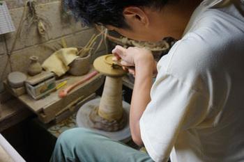 実店舗は持たず、卸販売やネットショップ生活陶器「on the table」で主に作品を販売しています。