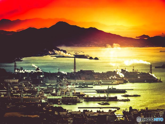 「灰ヶ峰」(呉市)から望む瀬戸内海。「灰ヶ峰」から「竹原」へは車で約1時間半程