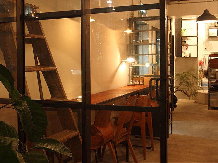 新宿三丁目と五丁目にそれぞれ2店舗ずつユニークなカフェを展開するTable inc.(テーブルインク)。インテリアやメニューにもこだわりがあり、それぞれのお店のテーマに沿ってじっくりと考えられています。お洒落で素敵な4つのお店を1店舗ずつ、ご紹介していきましょう。