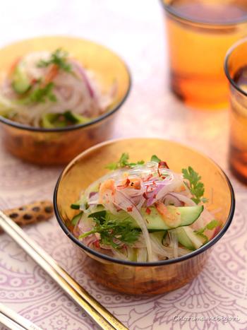 タイ風春雨サラダ「ヤムウンセン」。しょうが風味にすることで、子どもも一緒に食べられるマイルドな味に。こちらのレシピはノンオイルバージョンです。