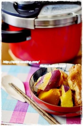 こちらは、普通の圧で調理する「手羽元とかぼちゃとさつまいものほっこり煮物」。短時間の加圧で、鶏はホロホロに、味もしっかりしみ込みます。
