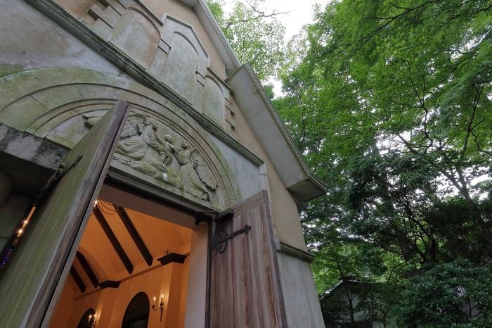 ヨーロピアンガーデンや教会なども建てられており、館内全体がアートになっています。