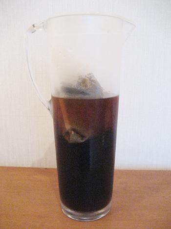 つくり方は、1リットルの水にコーヒーパックを一晩(約6~7時間)つけるだけ。麦茶をつくる感覚で、簡単に美味しいコーヒーのできあがり!コーヒーのパックは入れっぱなしでも大丈夫。賞味期限は冷蔵庫で3日だそうです。