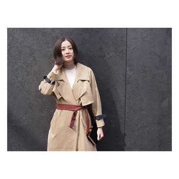 クールなファッションにはシルバー、フェミニンなファッションにはゴールド…と、色違いで使い分けるのもおすすめですよ。
