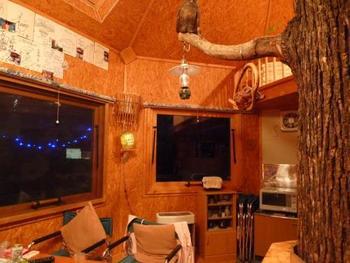 キッチン・冷蔵庫・電子レンジ・テレビなどが完備されており、長期滞在することも可能です。