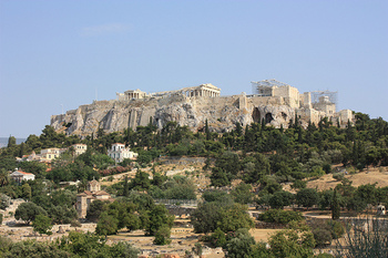 ギリシャ・アテネの中心地にそびえ立つ「アテナイのアクロポリス」。アテネには第1回と第3回の視察旅行で立ち寄ったとされています。時にギリシャかぶれと言われるほどギリシャ文化に傾倒していただけに、やはり外せなかったようですね。