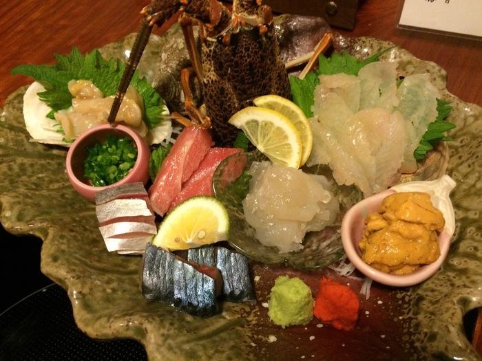 お造りはお魚種類が多く、季節に合わせ、その時々の旬の素材を…もう、これだけでご飯が進んじゃいそう…