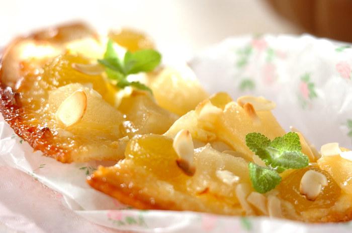 洋梨とクリームチーズを使ったスイーツピザです。食後のデザートにいかがでしょうか?