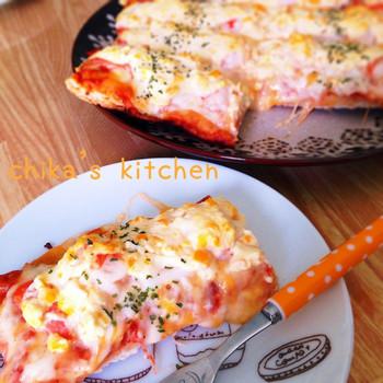 生地にお豆腐を練り込んだヘルシーなピザ生地。ソースにもお豆腐が入っているので、カロリーが気になるときにおすすめです♪
