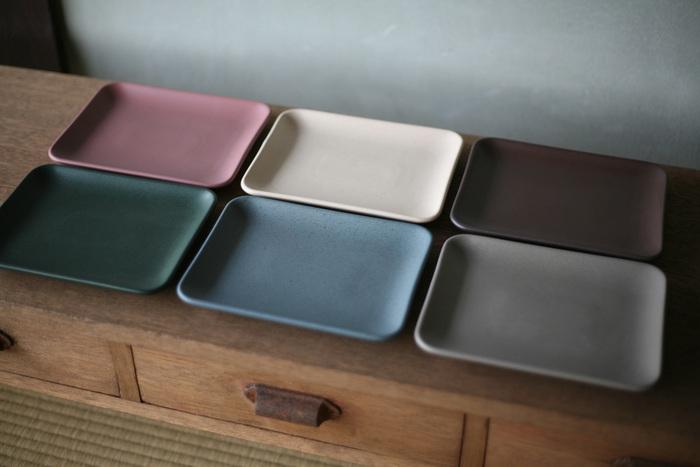 「square plate」は幅19cmほど。使い勝手が良さそうな大きさです♪