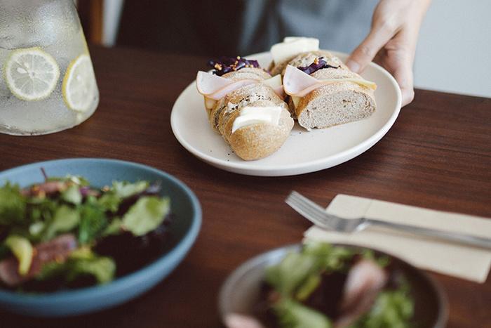 「dinner plate」はディナーだけでなく、おやつタイムやランチなど、色々な用途で使えます。