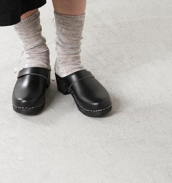お気に入りの靴下で、自分らしいコーディネートを楽しんでみるのも◎ですね。