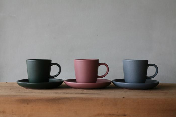 全色揃えたくなるカップ&ソーサー。